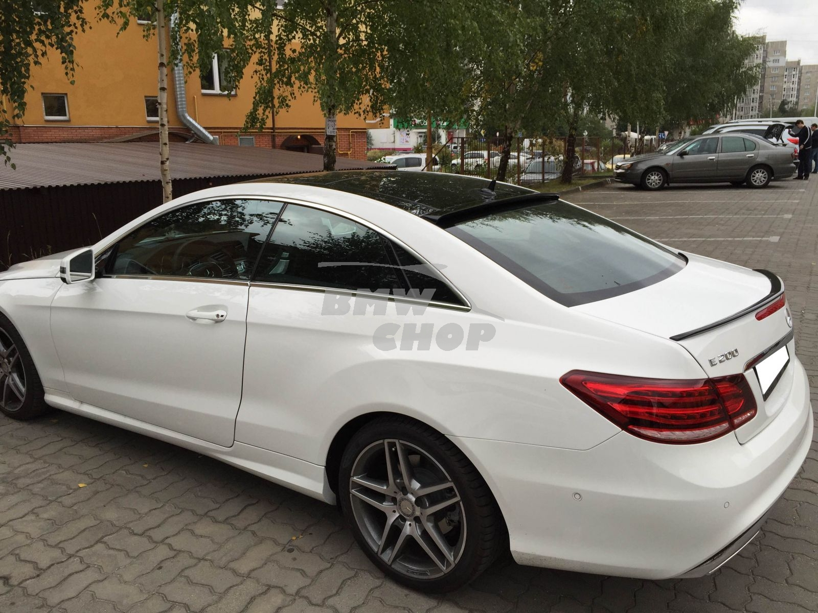 mercedes benz e class w207 c207 coupe rear window roof lip. Black Bedroom Furniture Sets. Home Design Ideas